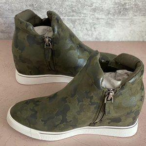 Sugar Glorify Wedge Camo Sneakers Womens 7.5 NIB